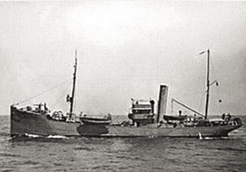 Submarino afunda navio português